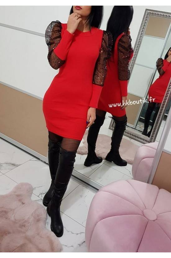 Robe rouge manches voile...